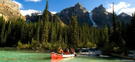 canadian-rockies-family-01-1600x670