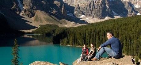 canadian-rockies-family-04-1600x670