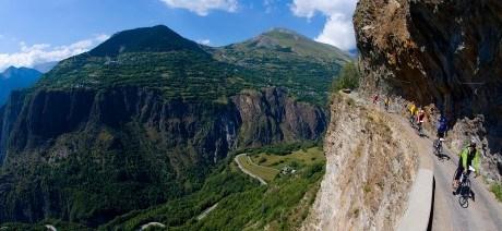 classic-climbs-alps-02-1600x670