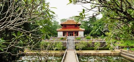 Tomb_Vietnam_1600x670