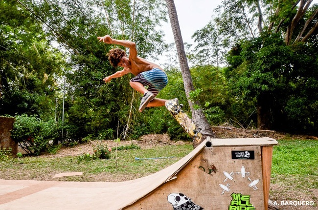 Meet the owners of Agua Tibia surf school in Nosara Costa Rica