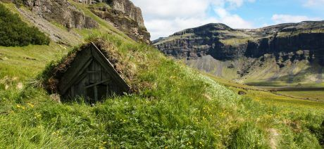 18IC-Skaftafell-hiking---Iceland-1-1600x670