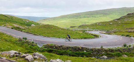 19IR_rider-climb_100_1600x900
