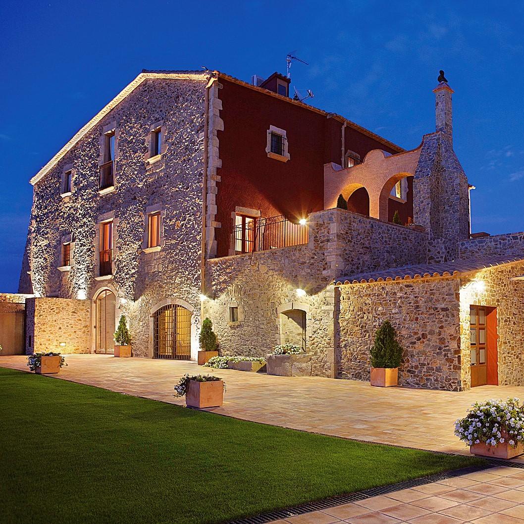 Costa Brava Villa Vacation Package