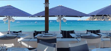 21CB Hostal la Gavina Beach Restaurant