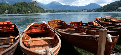 22SL-Slovenia-LakeBled5-CANVA-1600X670
